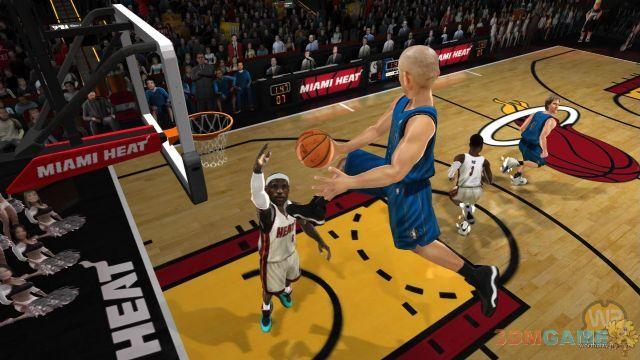 搞怪篮球游戏《nab嘉年华》(球员采用真实的形象,但却是大头娃娃,看上