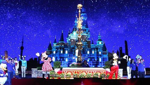 迪士尼/最近上海迪士尼乐园公布了开园的消息,乐园门票平时是370元,...